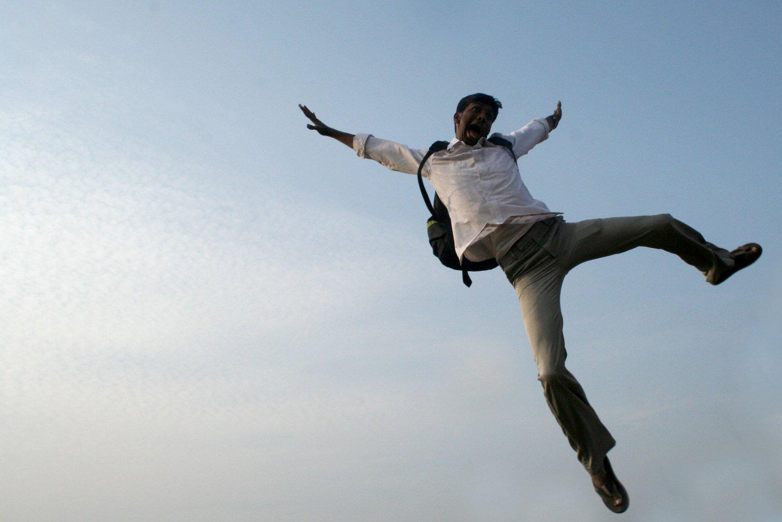мужчина в прыжке картинка все